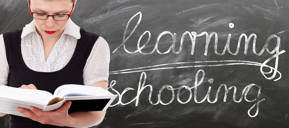 איך להתלבש כשאת מרצה או מורה
